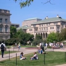 Memorial_Union_and_quadrangle