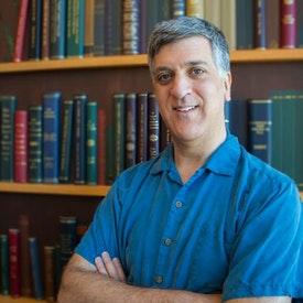 Headshot Photo of Dan Tinianow